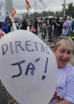 21.mai-2017 - Manifestante no Rio defende eleições diretas