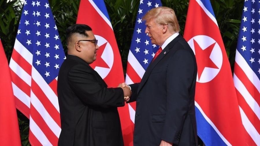 Trump e Kim tiveram sua primeira ruenião em junho de 2018 - AFP