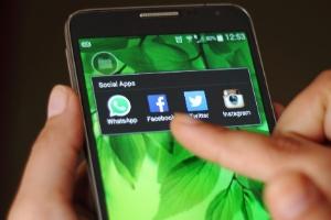 Você pode reduzir seu consumo de dados no WhatsApp seguindo essas 4 dicas (Foto: Getty Images)