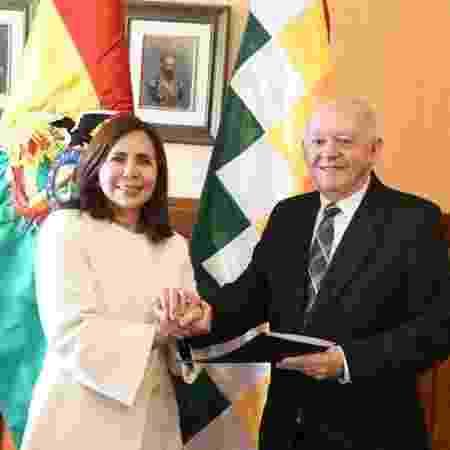 A chanceler interina da Bolívia Karen Longaric Rodriguez e Walter Oscar Serrate, nomeado embaixador do país em Washington - Reprodução