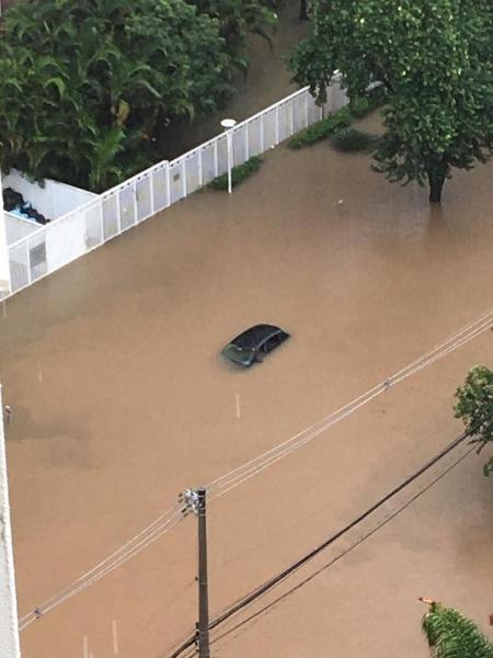 Enchente atingiu três prédios da Avenida Mofarrej, na Vila Leopoldina, subprefeitura da Lapa, SP. - Arquivo pessoal