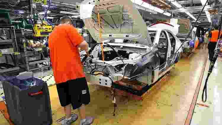 A General Motors avaliou a suspensão da produção em três fábricas na América do Norte - Getty Images - Getty Images