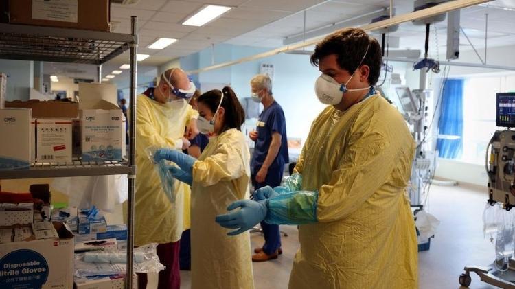 Cientistas alertam para um aumento nas hospitalizações diárias - Getty Images - Getty Images