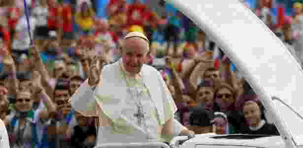 """31.jul.2016 - O papa Francisco convocou os jovens de todo o mundo a converterem o Evangelho no """"navegador"""" de suas vidas - Stefano Rellandini/ Reuters"""