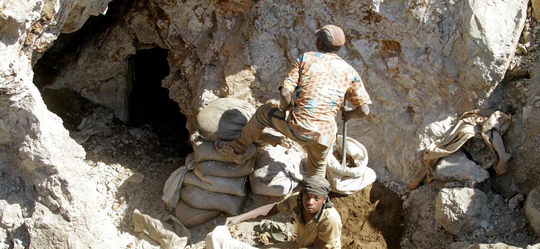 Mina de cobalto na República Democrática do Congo - Kenny Katombe/Reuters