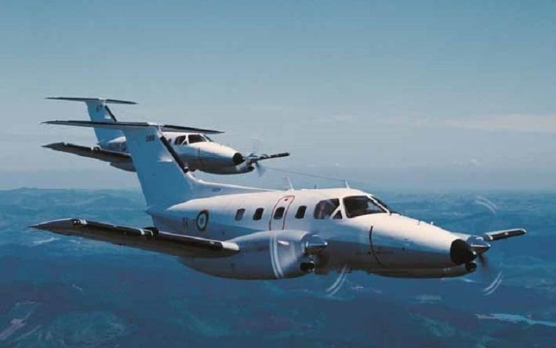Avião modelo O EMB-121 Xingu, da Embraer