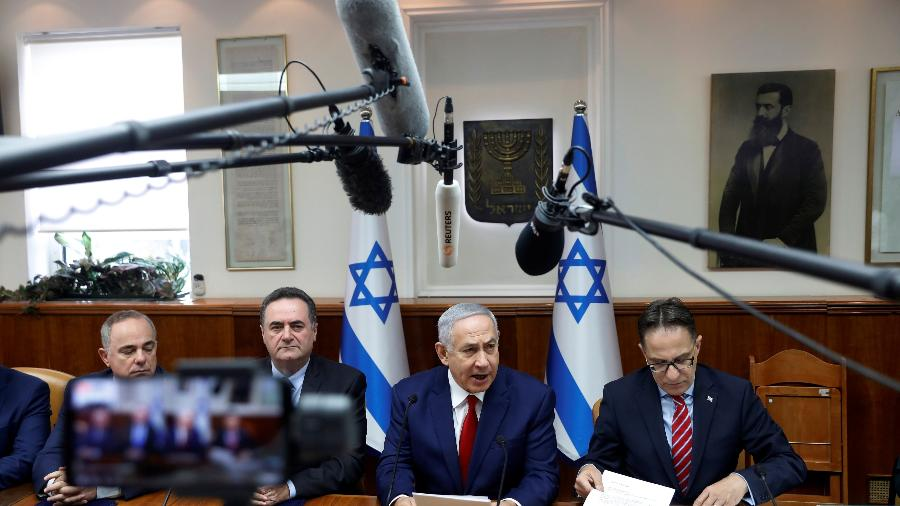 23.dez.18 - Binyamin Netanyahu durante reunião semanal com seu gabinete - Ronen Zvulun/Reuters