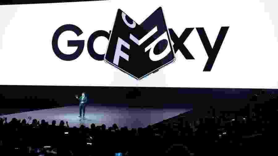 O celular dobrável Galaxy Fold é um exemplo da inovação da Samsung - AFP