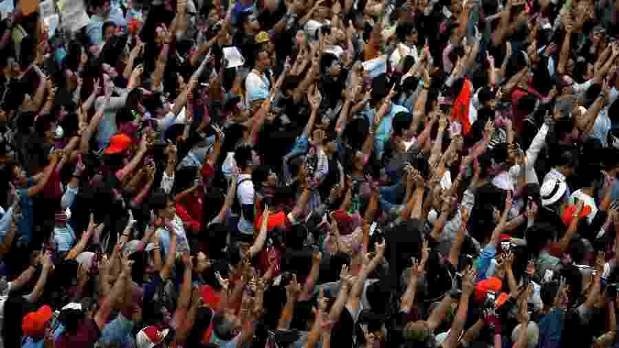 14.dez.19 - Manifestantes durante protesto na Tailândia  - Soe Zeya Tun/Reuters