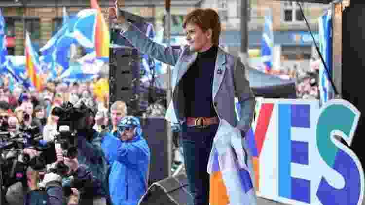 Nicola Sturgeon, a primeira-ministra escocesa, faz campanha pela independência na Escócia - Getty Images - Getty Images