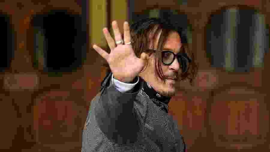 Ator Johnny Depp chegando na Suprema Corte de Londres para prestar depoimento - TOBY MELVILLE