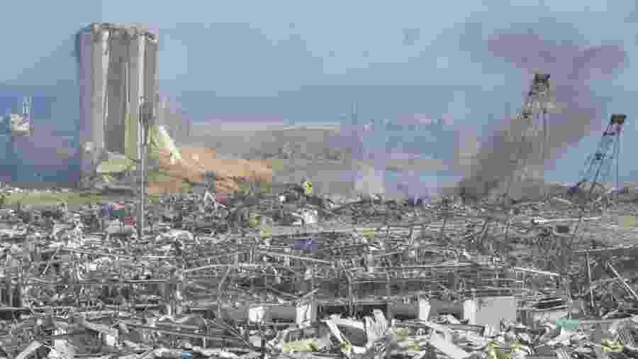 Porto de Beirute um dia depois de explosão que deixou pelo menos 100 mortos e 300 mil desabrigados - Anadolu Agency/Anadolu Agency via Getty Images
