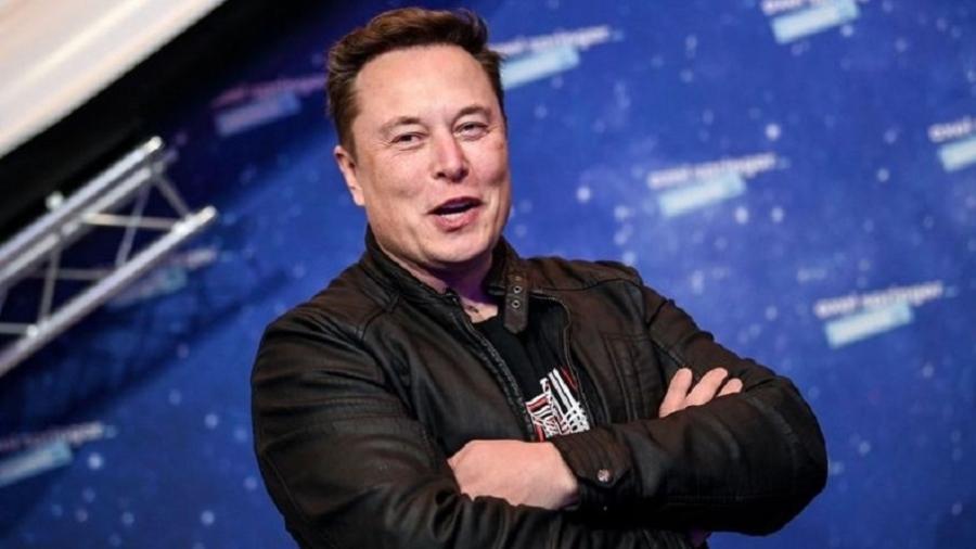 """""""Há lugares muito mais fáceis de trabalhar, mas ninguém nunca mudou o mundo com 40 horas por semana"""", tuitou Elon Musk em 2018 - Alamy"""