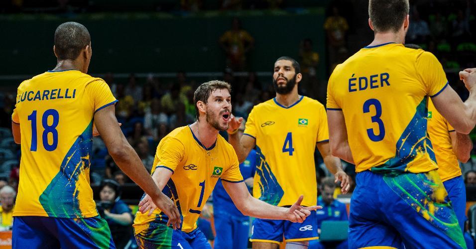 Após começo turbulento, Brasil vence segundo set e sai na frente do Canadá na terceira etapa
