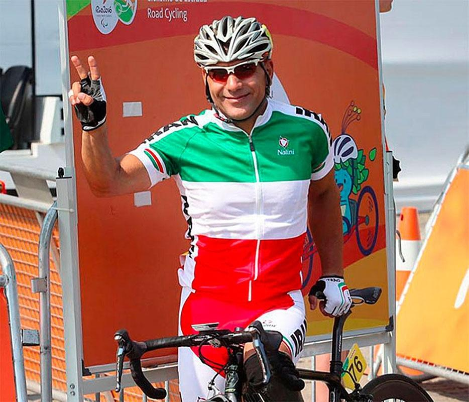 Bahman Golbarnezhad, ciclista do Irã, antes da prova de estrada da Paraolimpíada do Rio