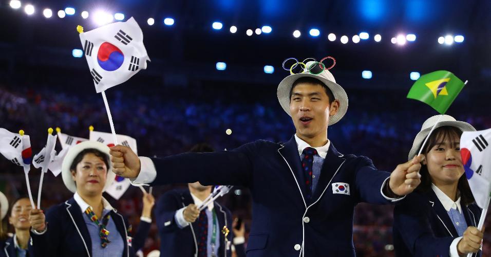 Sul-coreanos também homenagearam o Brasil com uma pequena bandeira verde e amarela