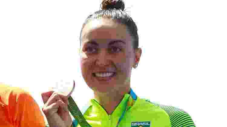 Poliana Okimoto sorri feliz da vida com medalha na Rio 2016 - Adam Pretty/Getty Images - Adam Pretty/Getty Images