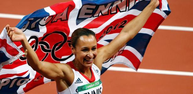 Jessica Ennis-Hill comemorando seu ouro olímpico em Londres-2012