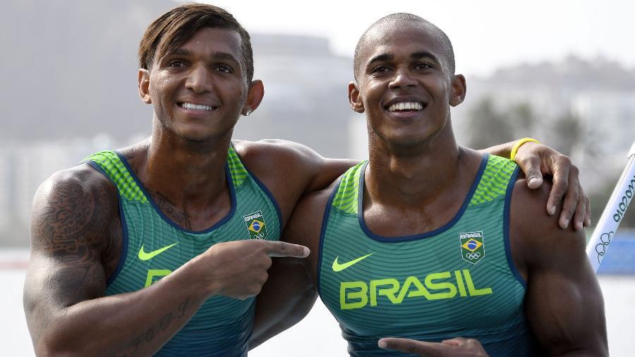 Isaquias Queiroz e Erlon de Souza, medalhas de prata do C2-1000 m na Rio-2016  - Damien Meyer/AFP