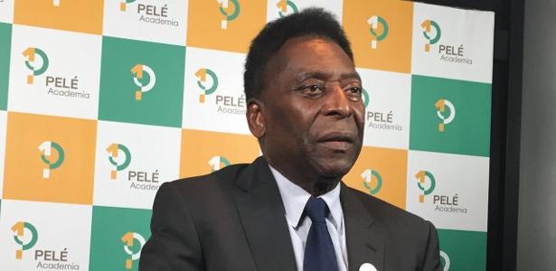 Pelé também prestou condolência às famílias das vítimas da tragédia com a Chapecoense