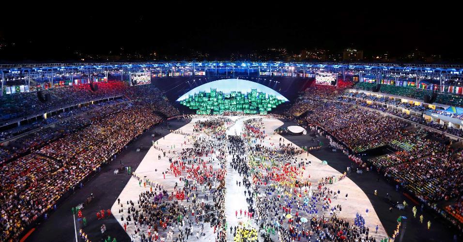 Visão geral do Maracanã no momento do desfile das delegações