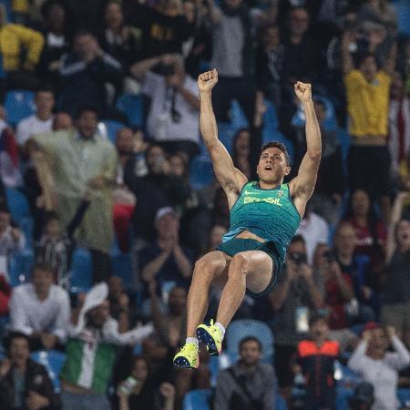 Thiago Braz comemora salto durante a final olímpica na Rio 2016 - Alexandre Cassiano/Nopp