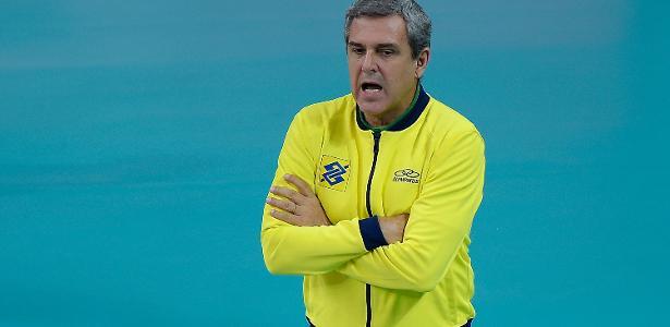 José Roberto Guimarães elogia nova data da Olimpíada e vê Brasil favorito
