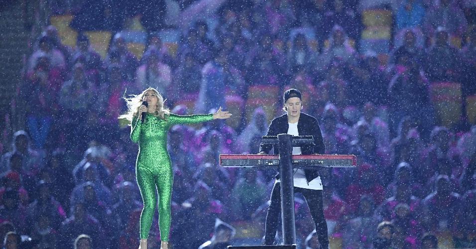 Julia Michaels e DJ Kygo fizeram participação musical na cerimônia de encerramento