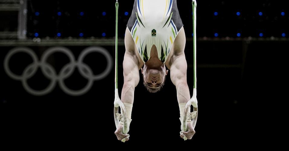 Arthur Zanetti durante o treino de pódio na Rio-2016