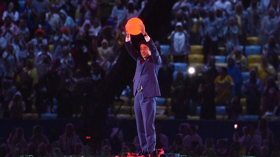 Shinzo Abe, primeiro-ministro do Japão, apareceu como Mario Bros. - Luis Acosta/AFP