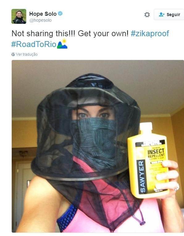 Hope Solo posta foto mostrando repelente que comprou para trazer ao Rio de Janeiro