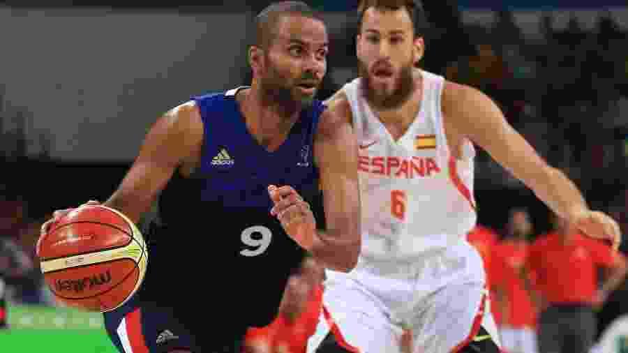 Tony Parker, ex-jogador de Spurs e Hornets, é presidente de time francês de basquete que teve ações compradas pelo Lyon - Mike Ehrmann/Getty Images