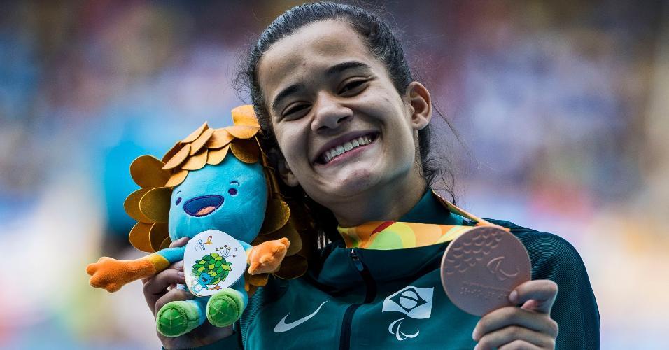 Verônica Hipólito conquista o bronze nos 400 m rasos