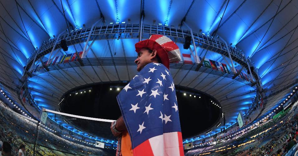 Norte-americano marca presença na festa de abertura, que terá duração de quatro horas