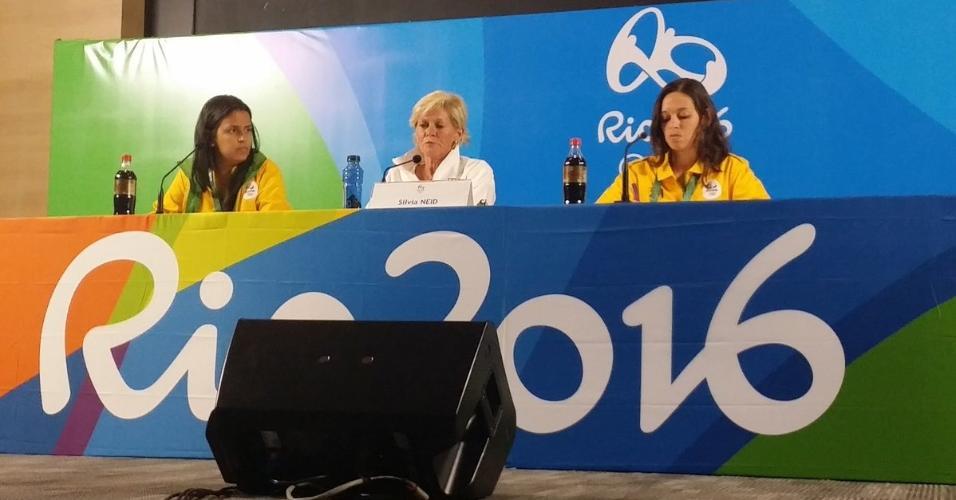 Silvia Neid, técnica da seleção feminina de futebol da Alemanha, em entrevista coletiva em São Paulo