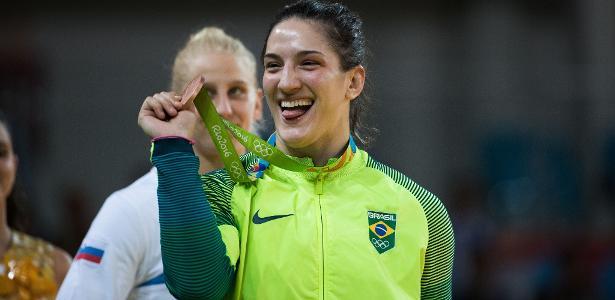 Mayra Aguiar vence cubana e é bronze na Rio-2016