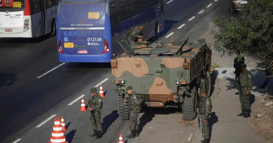 Resultado de imagem para forças armadas av brasil