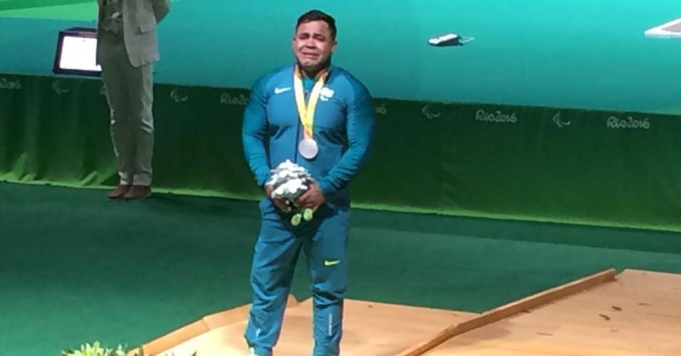 Evânio Silva conquistou a primeira medalha do levantamento de peso