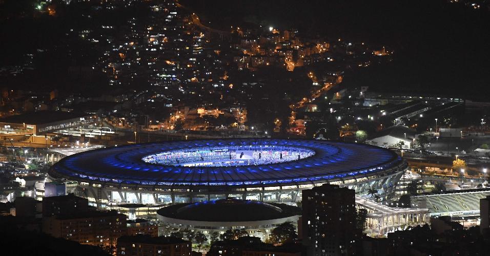 Imagem do Maracanã, momentos antes do início da cerimônia