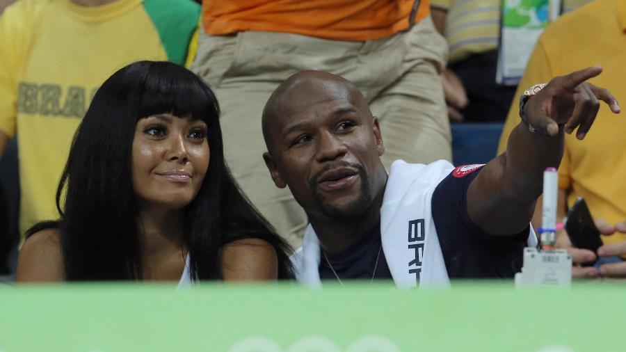 O ex-boxeador Floyd Mayweather Jr. marca presença na partida de basquete entre EUA e Argentina na Arena Carioca - REUTERS/Jim Young