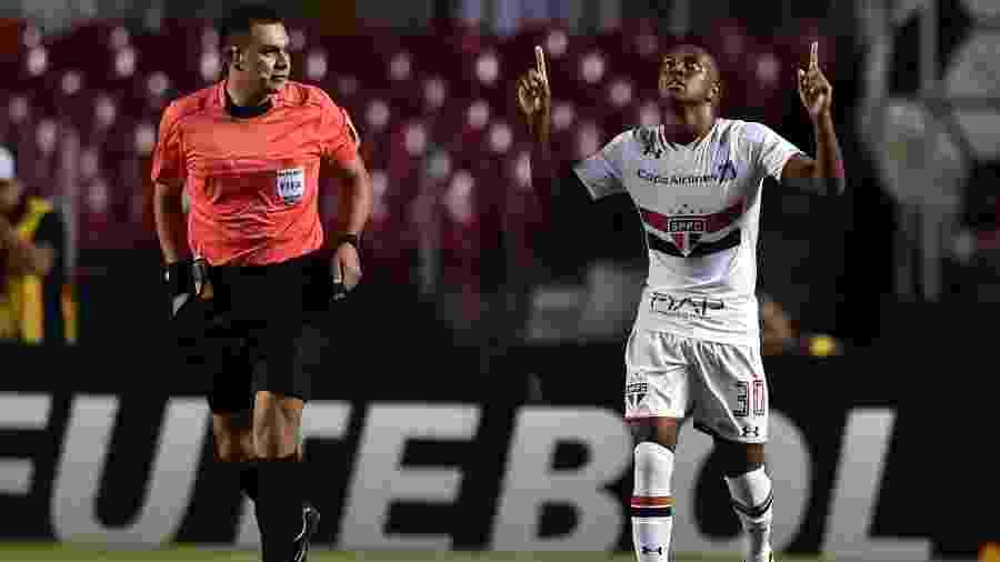 Kelvin comemora gol marcado pelo São Paulo - Nelson Almeida/AFP Photo