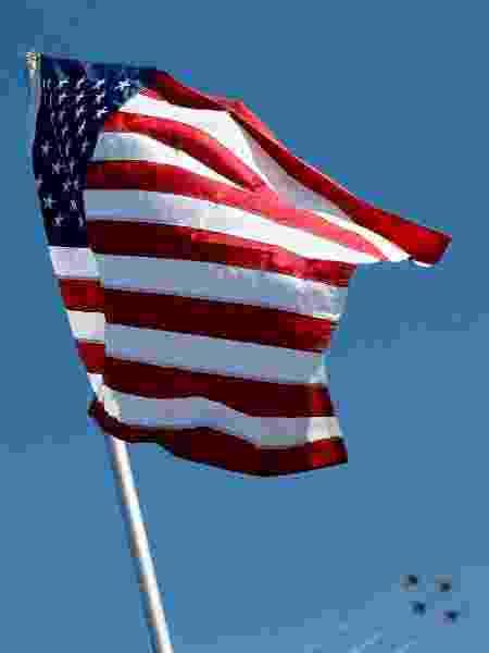 Bandeira dos Estados Unidos - Brian Lawdermilk/Getty Images