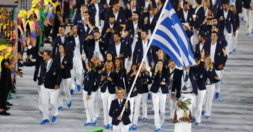 A Grécia, como em todas as edições dos Jogos Olímpicos, é a primeira delegação a entrar no gramado