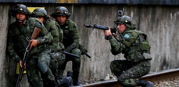 Além de integrantes da Marinha, Aeronáutica e Exército, a Justiça Militar da União também julga civis que cometem crimes contra militares em serviço e contra as Forças Armadas - REUTERS/Bruno Kelly
