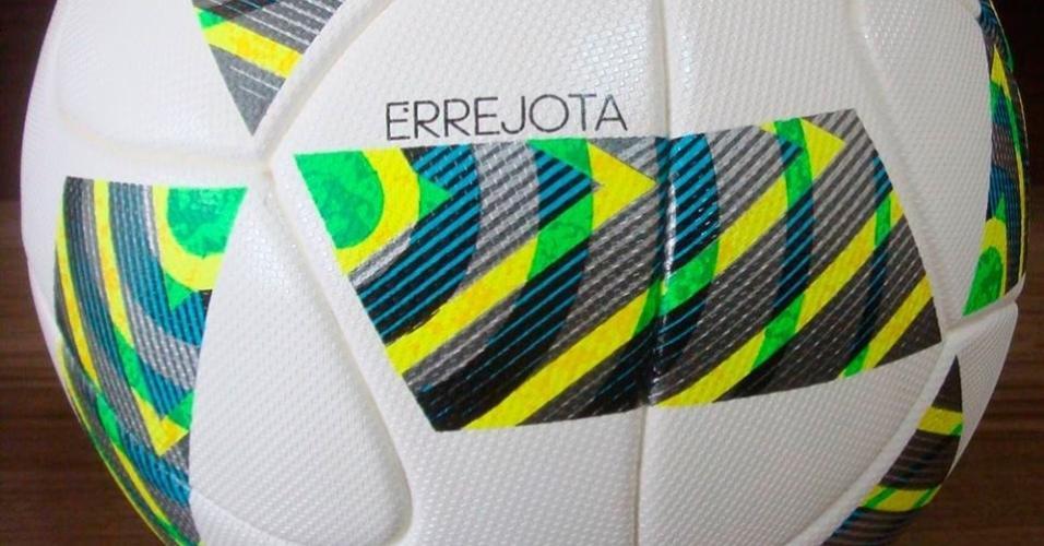 Bola que será usada nos jogos de futebol de campo da Rio-2016 028bd869340e4
