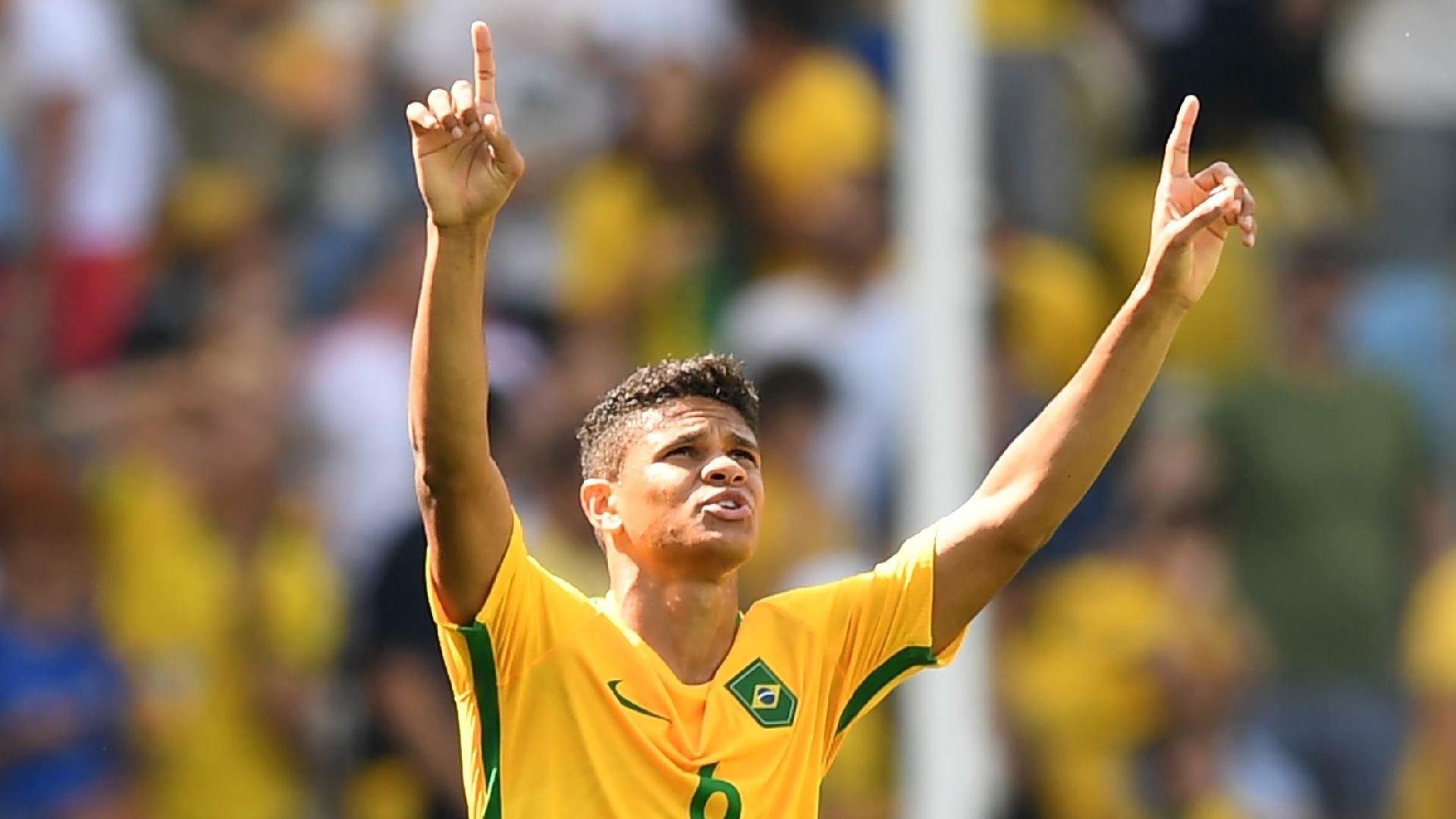 Douglas Santos futebol