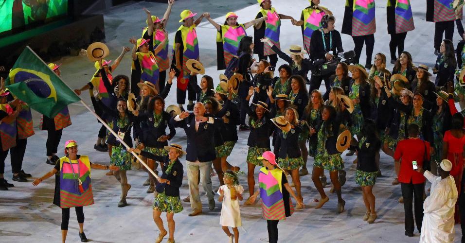 Yane Marques, do pentatlo moderno, liderou a delegação do Time Brasil no Maracanã
