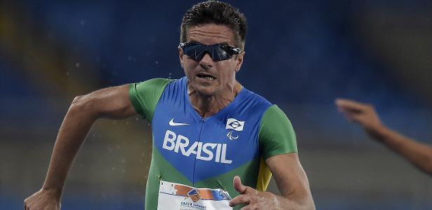 Edson Pinheiro levou o bronze paraolímpico na prova dos 100m da classe T38