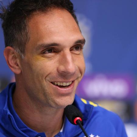 Fernando Prass concede entrevista coletiva após se apresentar à seleção brasileira olímpica - Lucas Figueirado/Mowa Press
