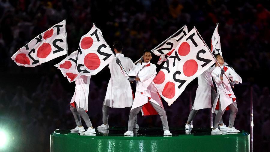 Dançarinos fazem menção aos Jogos de Tóquio, que acontecerão em 2020 - David Ramos/Getty